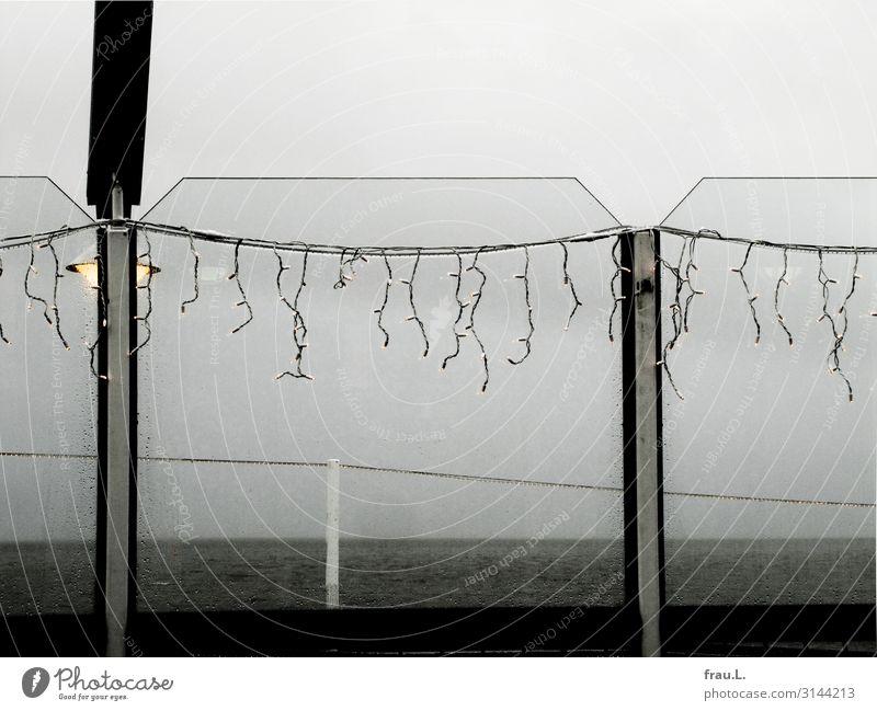 Langweiliges Büsum Ferien & Urlaub & Reisen Meer Einsamkeit Winter dunkel kalt Küste Tourismus Ausflug Regen trist Ostsee Restaurant maritim schlechtes Wetter