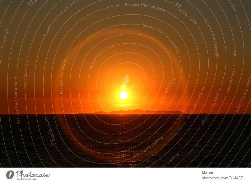 Adriatischer Sonnenuntergang aureole Strand schön Küste Farbe Kroatien Halo Insel Landschaft Licht Natur Meer orange scenics Silhouette Himmel Sommer
