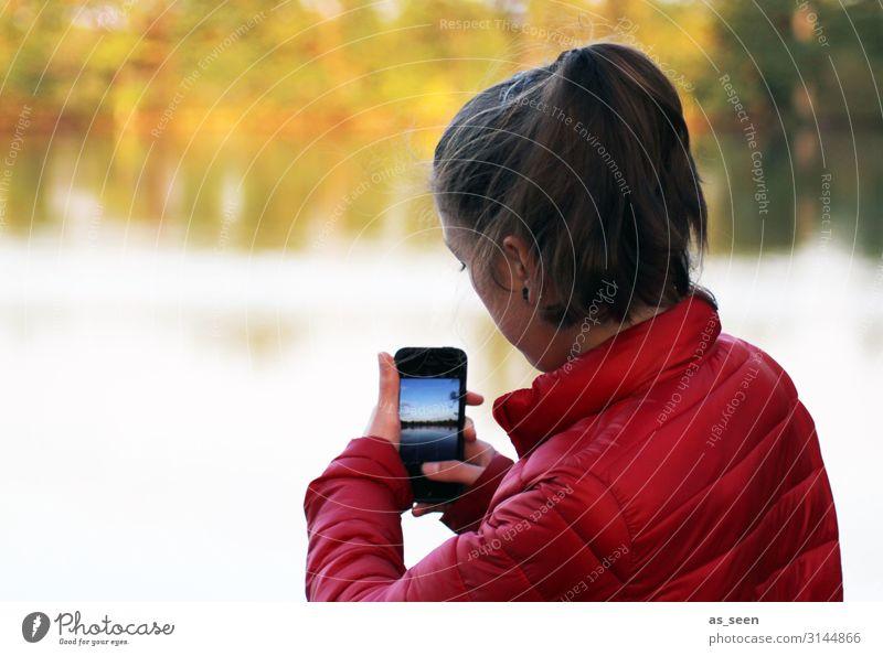 Handyfoto machen Videokamera Fotokamera Technik & Technologie Fortschritt Zukunft Mädchen Kindheit Jugendliche 1 Mensch 13-18 Jahre Medien Neue Medien Umwelt