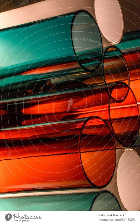 Farbenspiele elegant Menschenleer Reagenzglas Glas ästhetisch außergewöhnlich Coolness glänzend einzigartig modern Stadt orange türkis weiß selbstbewußt Kraft