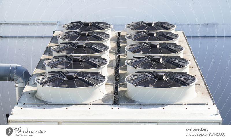 Klimaanlage auf dem Dach Technik & Technologie Gebäude Architektur Industriefotografie Kühlung kühlen heizen Abluft Farbfoto Außenaufnahme Detailaufnahme