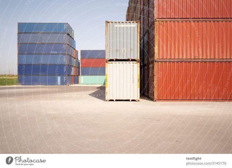 containerbahnhof Industrie Handel Güterverkehr & Logistik eckig Container stapeln Farbfoto Außenaufnahme Menschenleer Textfreiraum unten Licht Schatten