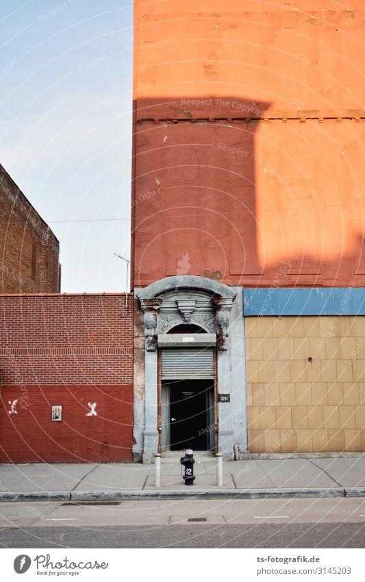 Zeitreisetunnel alt Stadt Farbe Haus Ferne Architektur Wand Gebäude Mauer Stein orange braun Fassade grau Tür Vergänglichkeit