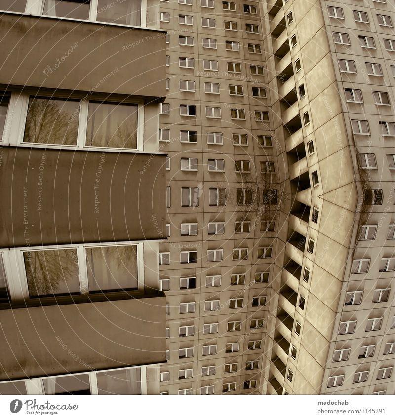 Wohnraum - wohnen Hochhaus Miete Großstadt Plattenbau Stadt Haus Gebäude Architektur Mauer Wand Fassade Fenster chaotisch Einsamkeit Frustration