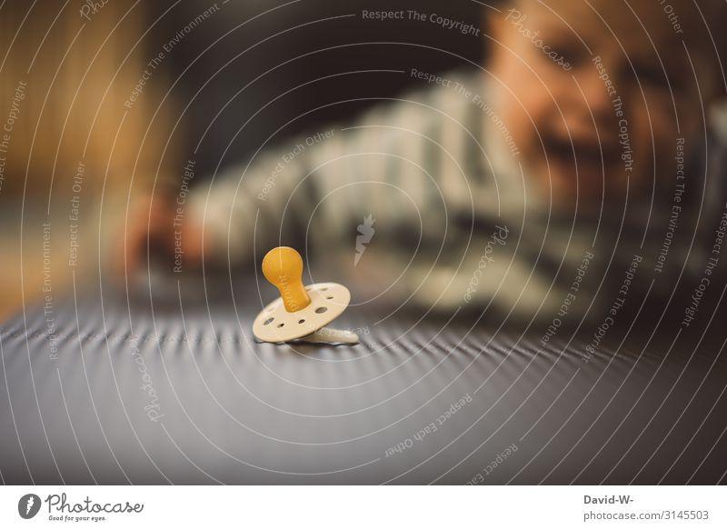 ...aber jetzt! Kind Mensch Einsamkeit Gesicht Lifestyle Leben klein Kunst Wohnung maskulin liegen Kindheit Baby beobachten entdecken Boden