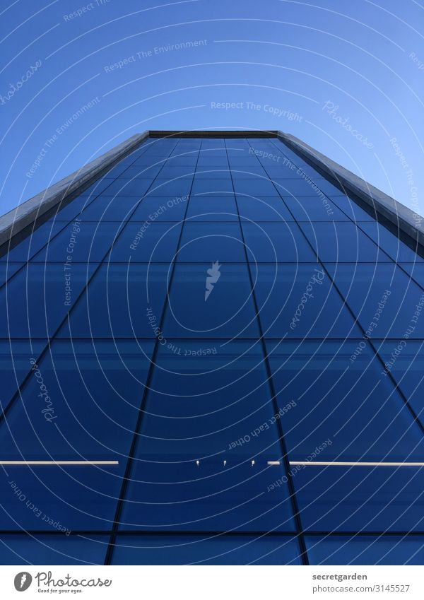 hoch hinaus geht es dieses Jahr Architektur architektonisch Architekturfotografie Fassade Glasfassade Fenster Gebäude Reflexion & Spiegelung Hochhaus abstrakt