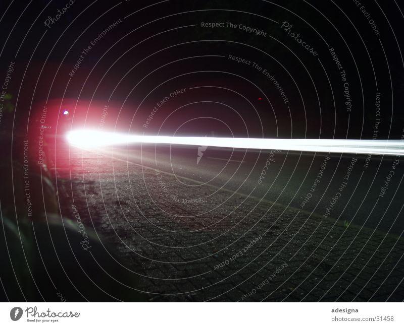 Kugelblitz Licht Nacht Geschwindigkeit Langzeitbelichtung Verkehr PKW Bewegung Straße