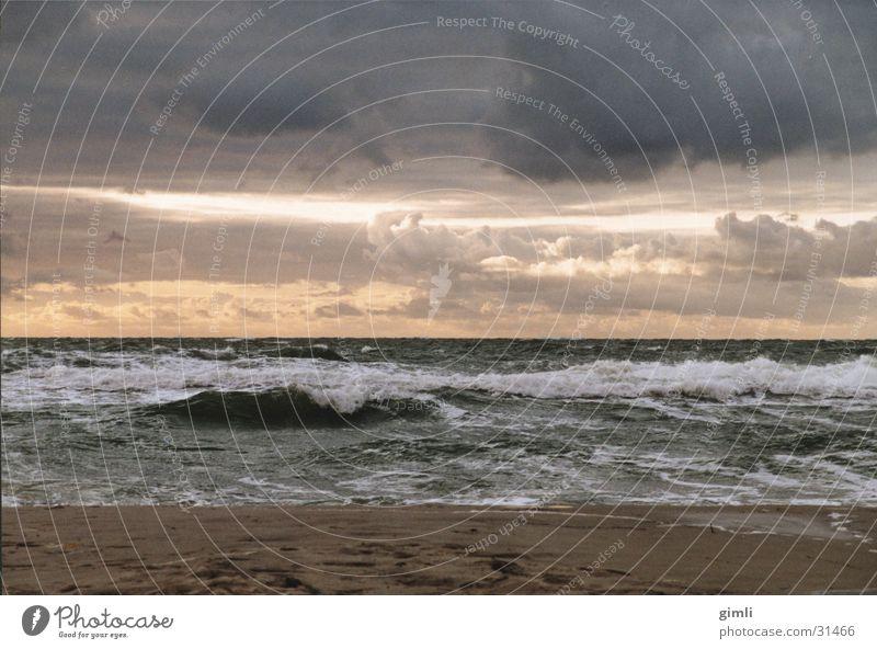 Stürmische Ostsee Küste Wolken Meer Dämmerung Wellen Sturm