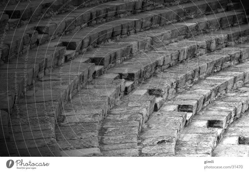 Theatergang Stein Architektur diagonal Griechenland Bogen Bildbearbeitung Zypern