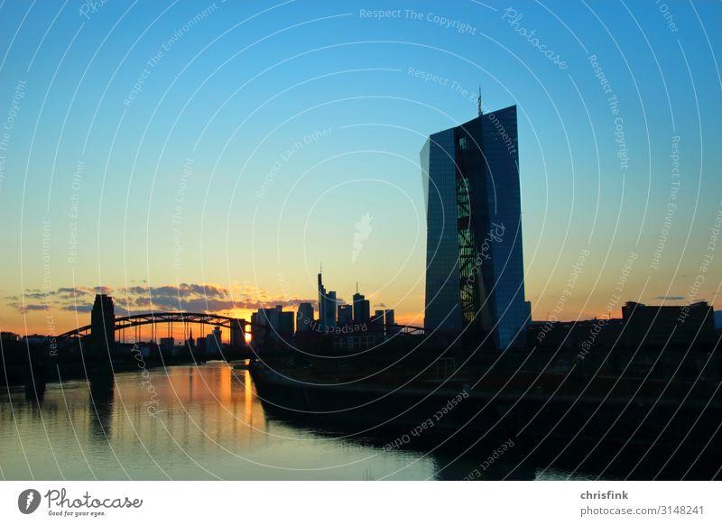 EZB Frankfurt Sonnenuntergang Kunst Landschaft Stadt Skyline Hochhaus Gebäude Architektur blau orange Armut Glaube Religion & Glaube Reichtum