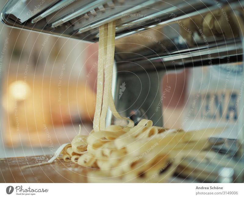 Homemade Pasta Lebensmittel Teigwaren Backwaren Nudeln Ernährung Mittagessen Abendessen Slowfood Italienische Küche kochen & garen Essen zubereiten