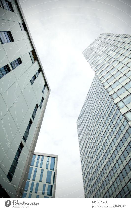 SKYLINEs | UT HH19 Hamburg Skyline Hochhaus Gebäude Architektur Fassade Arbeit & Erwerbstätigkeit Häusliches Leben eckig Erfolg gigantisch groß Business Design
