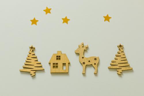 Weihnachtskarte Design Postkarte Weihnachten & Advent Dekoration & Verzierung Kitsch Krimskrams Holz Stern (Symbol) Elch Hirsche schön braun orange Stimmung