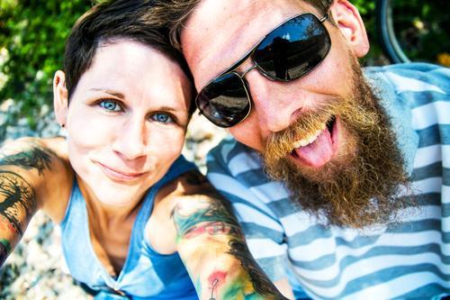auf ein verrücktes neues! Frau Mann Freude Gesicht Auge Erwachsene Liebe Familie & Verwandtschaft lachen Glück Paar Haare & Frisuren Kopf Zusammensein