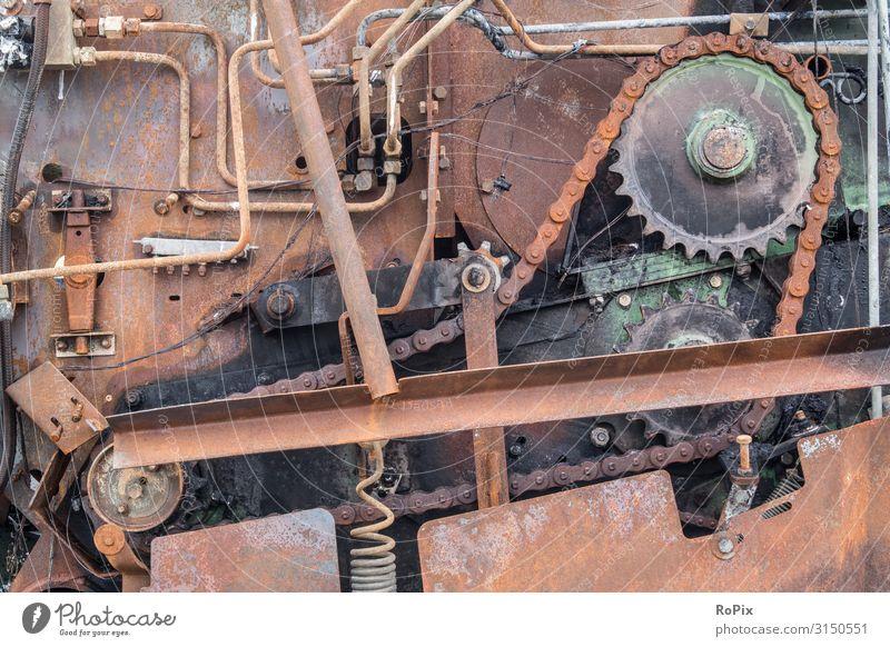 Landmaschinen nach dem Brand. Lifestyle Design Wissenschaften Arbeit & Erwerbstätigkeit Beruf Arbeitsplatz Baustelle Fabrik Wirtschaft Landwirtschaft