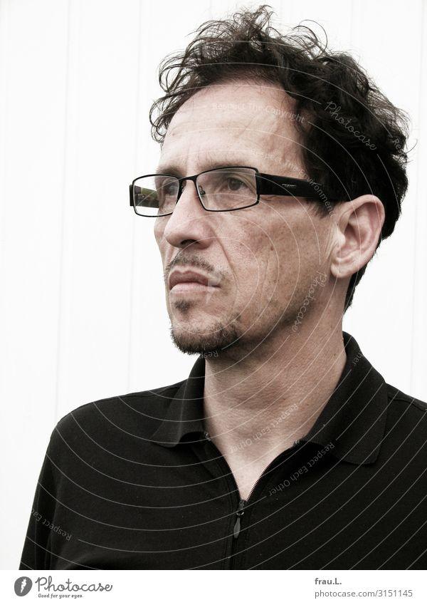 Mann Mensch Erwachsene Kopf 1 45-60 Jahre T-Shirt Brille schwarzhaarig Bart beobachten Blick ästhetisch authentisch natürlich schön Kraft Willensstärke