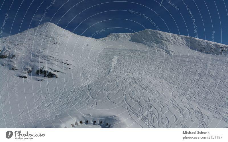 Schneepiste in den Allgäuer Alpen Skifahren wandern Freiheit Winter Winterurlaub Berge u. Gebirge Sport Wintersport Klettern Bergsteigen Natur Sonnenlicht