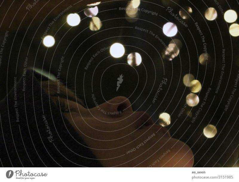 Staunen Feste & Feiern Weihnachten & Advent Silvester u. Neujahr Kind Junge Gesicht 1 Mensch Kultur Party Umwelt Herbst Winter leuchten Blick authentisch dunkel
