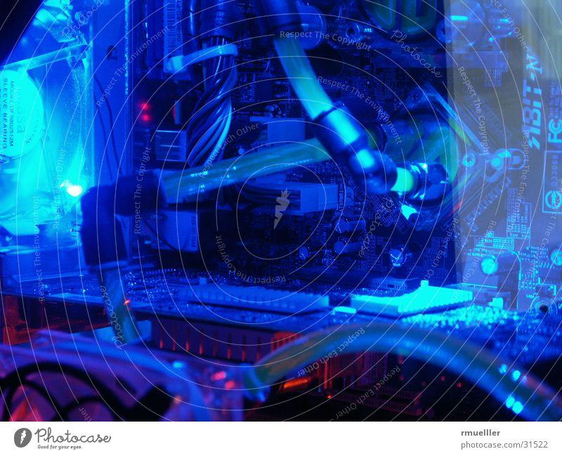 Blue and Cool Wasserkühlung Langzeitbelichtung Elektrisches Gerät Schlauch Technik & Technologie Computer Modding Hardware