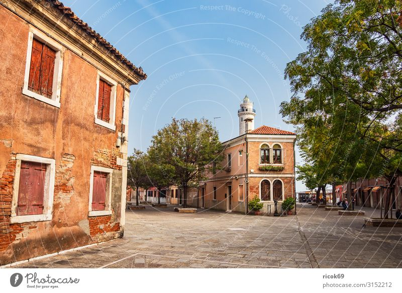 Historische Gebäude auf der Insel Murano bei Venedig in Italien Erholung Ferien & Urlaub & Reisen Tourismus Haus Wolken Baum Stadt Altstadt Architektur Fassade