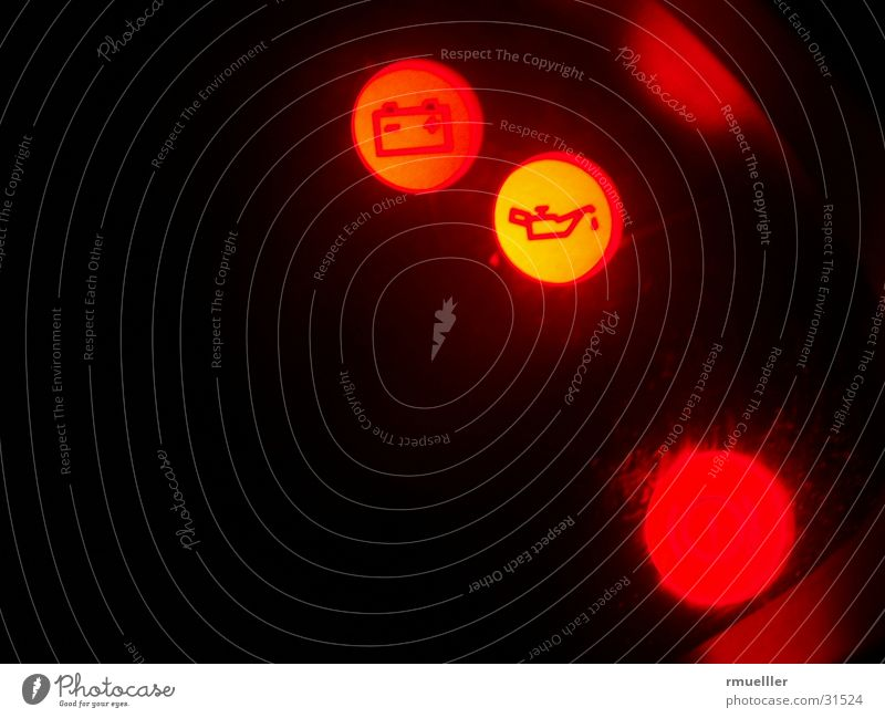 Öl, bitte KFZ Armaturenbrett Langzeitbelichtung Nacht Elektrisches Gerät Technik & Technologie PKW Beleuchtung Erdöl