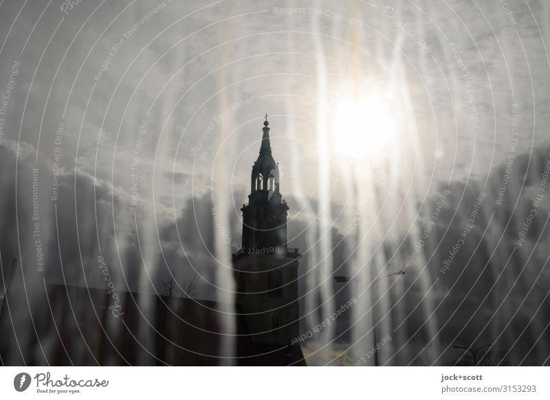 Weltschmerz mit Wehmut Wassertropfen Himmel Wolken Berlin-Mitte Kirche Sehenswürdigkeit Glasscheibe leuchten dreckig Ferne nah trashig Stimmung verstört Trauer