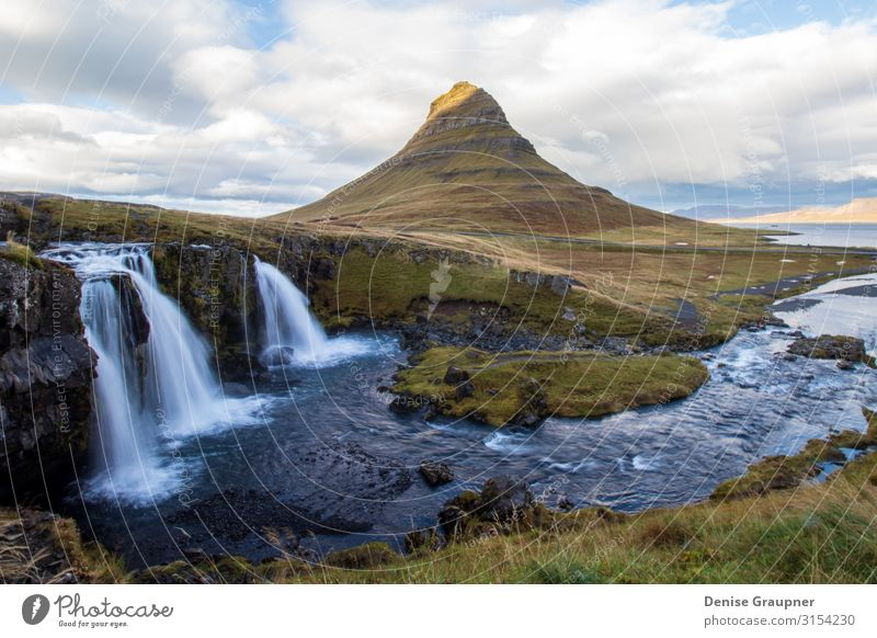 Kirkjufell Iceland Ferien & Urlaub & Reisen Sommer Natur Kraft beautiful icelandic landmark landscape natural river tourism view water waterfall Hintergrundbild