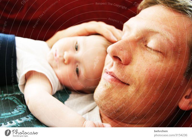fest der liebe Mann schön Gesicht Auge Erwachsene Liebe Familie & Verwandtschaft Glück Haare & Frisuren Kopf Zusammensein Zufriedenheit träumen Lächeln Kindheit