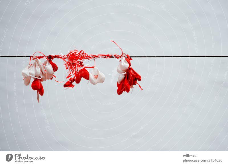 wenn die luft raus ist ... | firlefanz weiß rot Feste & Feiern Herz Vergänglichkeit Hochzeit Luftballon hängen Valentinstag Luftschlangen