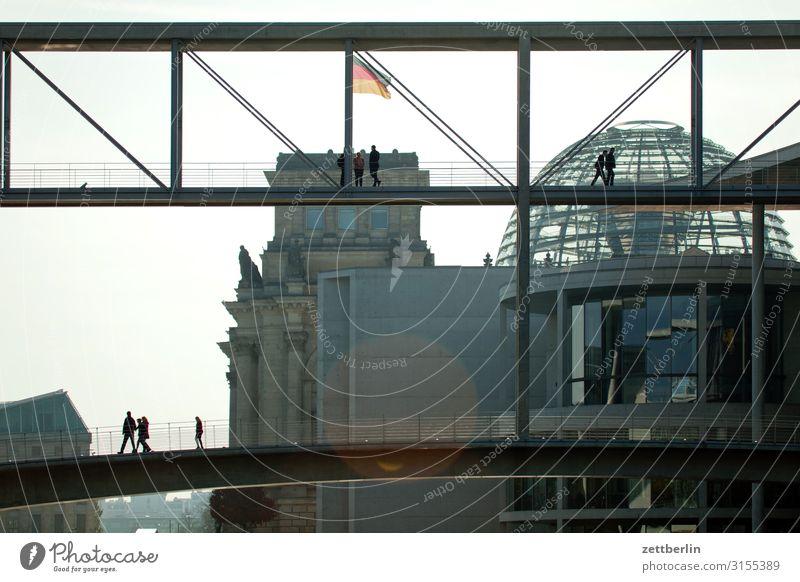 Regierungssitz Architektur Berlin Deutscher Bundestag Deutschland Deutsche Flagge dunkel Dämmerung Hauptstadt Bundeskanzler Amt Nacht Parlament Regierungspalast