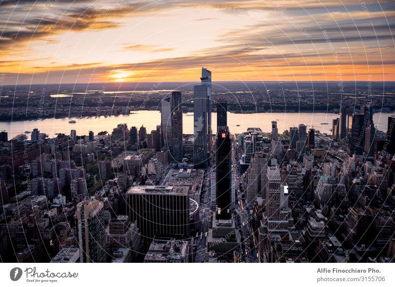 Blick über New York City in Midtown Manhattan Ferien & Urlaub & Reisen Sightseeing Büro Himmel Stadtzentrum Skyline Hochhaus Gebäude Architektur Straße