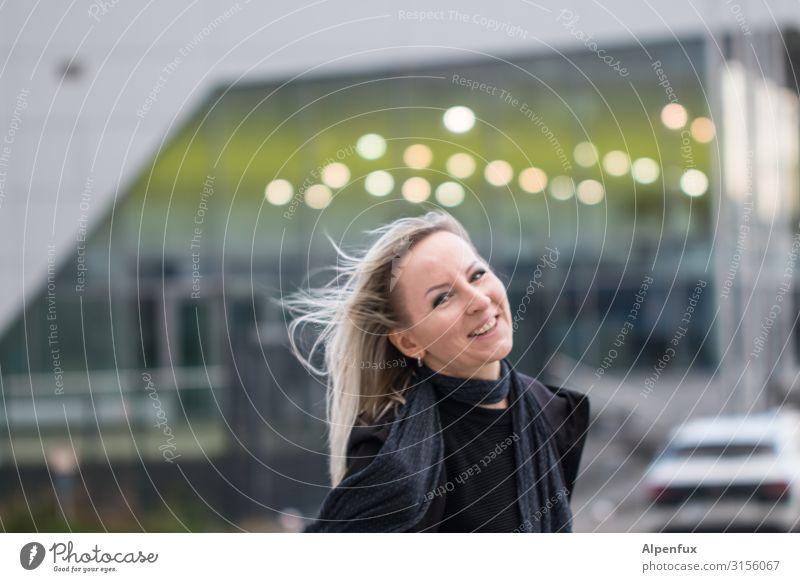 Lachend durchs Leben | UT HH19 Mensch feminin Frau Erwachsene 30-45 Jahre Lächeln lachen blond Coolness Glück schön Freude Fröhlichkeit Zufriedenheit