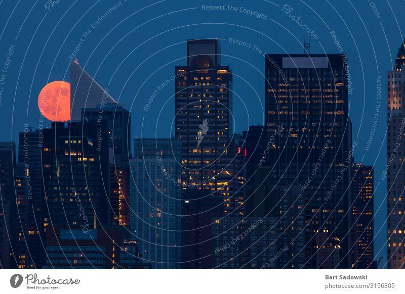 Mond über New York City Ferien & Urlaub & Reisen Nachtleben Entertainment Arbeitsplatz Business Vollmond Skyline Hochhaus Gebäude Architektur Wahrzeichen
