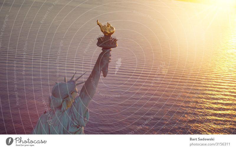 Freiheitsstatue mit Kopierraum Ferien & Urlaub & Reisen Skulptur Hafen Fluggerät entdecken historisch Akzeptanz Symbole & Metaphern Textfreiraum Amerikaner