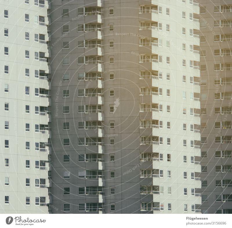 Haushoch Hochhaus Plattenbau Häuserzeile Reihenhaus Wohnung Häusliches Leben Wohnzimmer Miete Stadthaus Fenster Nachbar