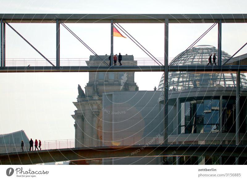 Regierungsviertel Architektur Berlin Deutscher Bundestag Deutschland Deutsche Flagge Bundesadler Hauptstadt Bundeskanzler Amt Parlament Regierungssitz