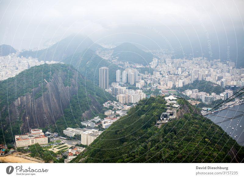 Rio de Janeiro Ferien & Urlaub & Reisen Tourismus Ferne Sightseeing Städtereise Nebel Hügel Berge u. Gebirge Stadt Stadtzentrum überbevölkert Haus Hütte