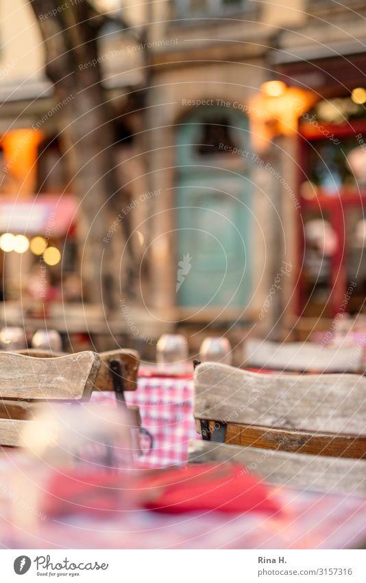 Warten Ferien & Urlaub & Reisen Haus Erholung Essen Lifestyle Familie & Verwandtschaft Tourismus Tisch authentisch warten Stuhl Gastronomie Städtereise Altstadt