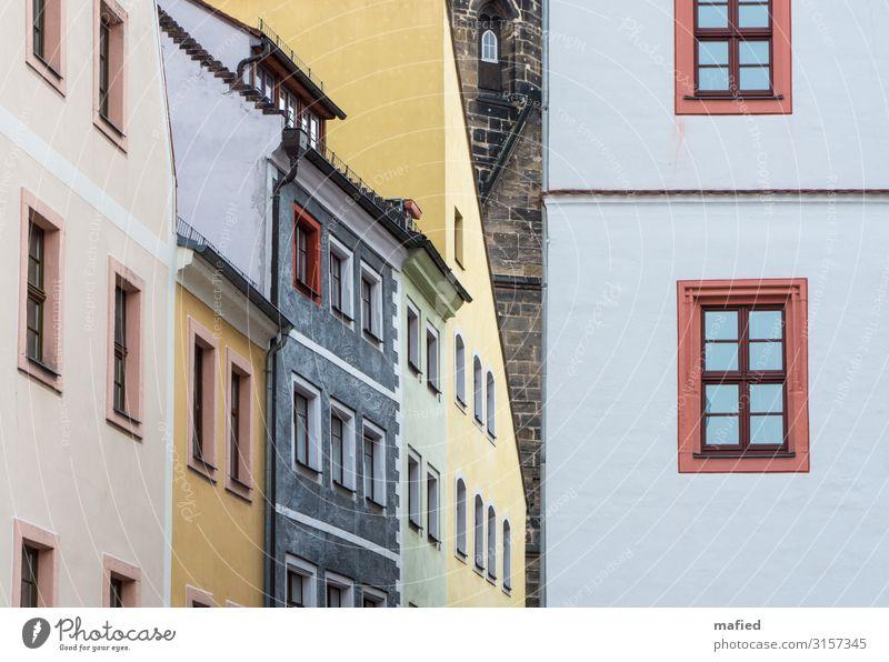 Pirna im Mai Ferien & Urlaub & Reisen Tourismus Sightseeing Architektur Stadtzentrum Altstadt Menschenleer Haus Kirche Stein Holz Glas blau braun gelb grau rosa