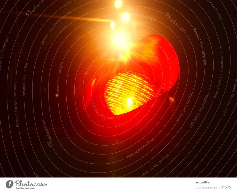 Ampelrot Nacht Langzeitbelichtung Dinge