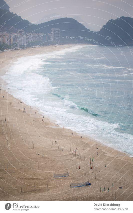 Copacabana Brasilien Strand Urlaub Südamerika Meer Ferien & Urlaub & Reisen Außenaufnahme Rio de Janeiro Farbfoto Stadt Landschaft Tourismus Panorama (Aussicht)