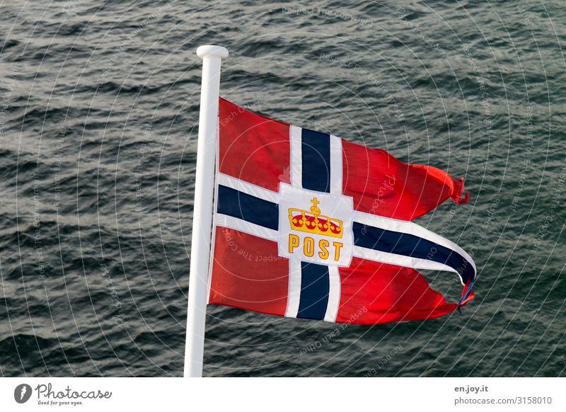 Sie haben Post Ferien & Urlaub & Reisen Kreuzfahrt Meer Norwegen Lofoten Skandinavien Schifffahrt Passagierschiff Kreuzfahrtschiff Fahne Abenteuer Erholung