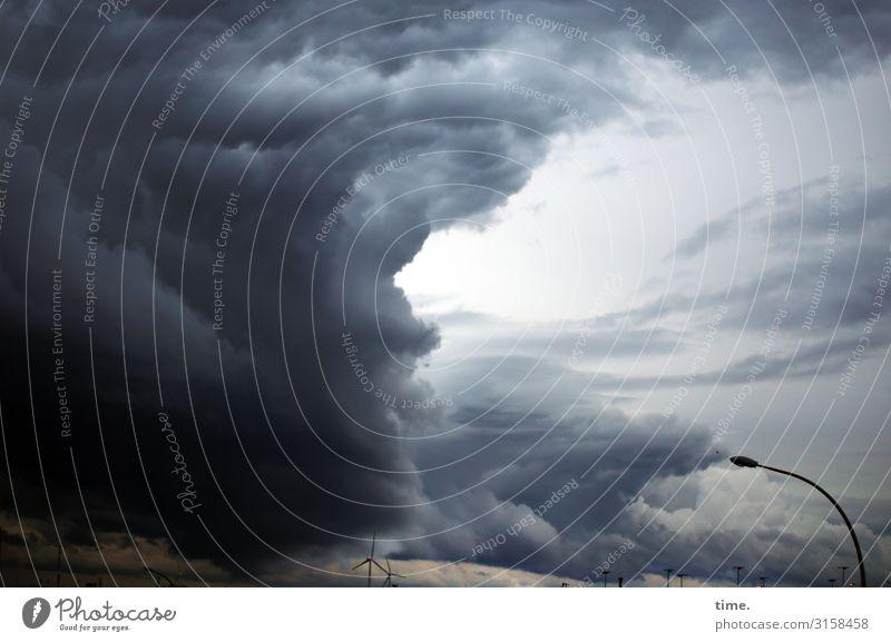 Challenge Umwelt Himmel Wolken Gewitterwolken Wetter Schönes Wetter schlechtes Wetter Unwetter Wind Sturm Hamburg Skyline Straßenbeleuchtung Abenteuer