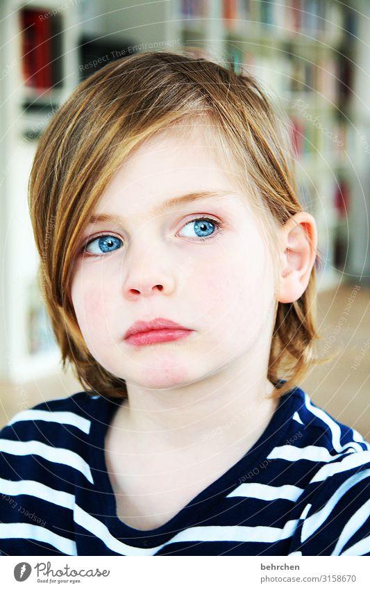 lieblingsmodel Kind blau schön Gesicht Auge Erwachsene Traurigkeit Familie & Verwandtschaft Junge Haare & Frisuren Kopf nachdenklich Kindheit Haut Mund niedlich