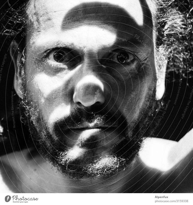 Camouflage Mann dunkel Gesicht Erwachsene Angst maskulin träumen Kraft 45-60 Jahre Erfolg Kreativität Perspektive einzigartig bedrohlich Todesangst