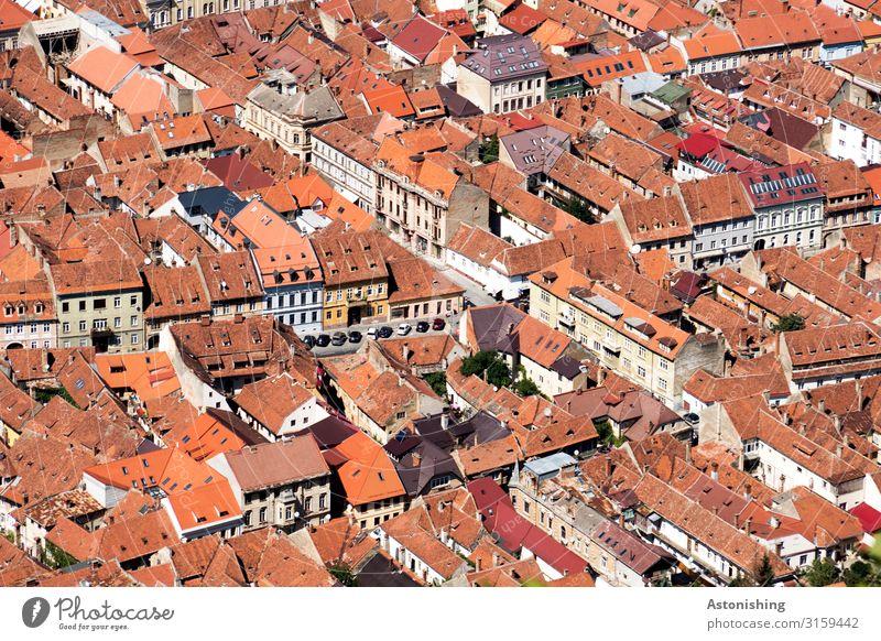 Brasov - Kronstadt Brașov Rumänien Stadt Stadtzentrum Altstadt bevölkert Haus Turm Bauwerk Mauer Wand Fassade Tür Dach Straße alt historisch rot Aussicht