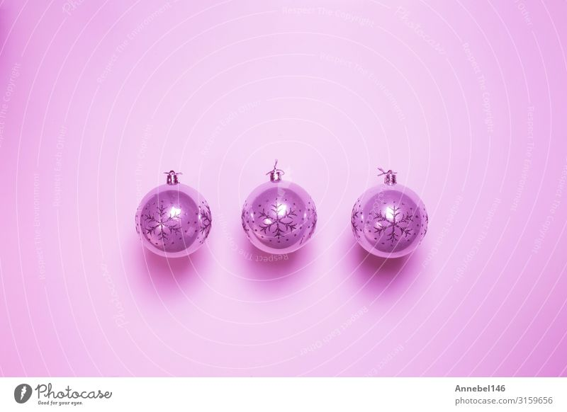 Rosa Weihnachtskugeln isoliert auf rosa Hintergrund, Design Glück schön Winter Dekoration & Verzierung Feste & Feiern Weihnachten & Advent Spielzeug Ornament