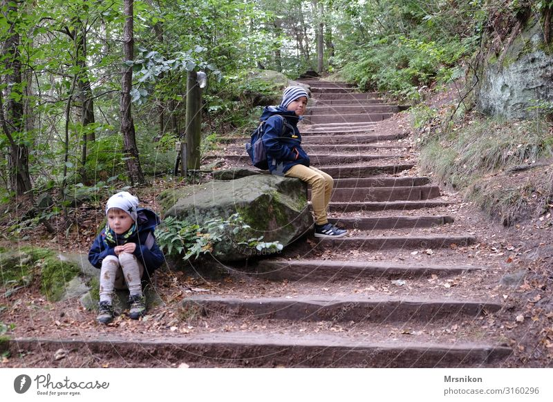 Aufstieg Ferien & Urlaub & Reisen Tourismus Ausflug Abenteuer Expedition Camping Berge u. Gebirge wandern Mensch Kleinkind Junge Geschwister Bruder