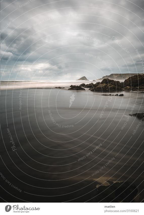 """Küstenlinie küste,"""" Meer Strand Wellen Himmel Wolken Sand Horizont Asturien Braun Grau schlechtes Wetter Riff Felsen Brandung Gischt"""
