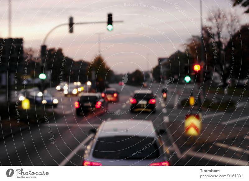 unscharf | der Fahrer war nüchtern Ferien & Urlaub & Reisen Ausflug Nachthimmel Stadt Verkehr Straße Fahrzeug fahren mehrfarbig Gefühle Ampel Farbfoto